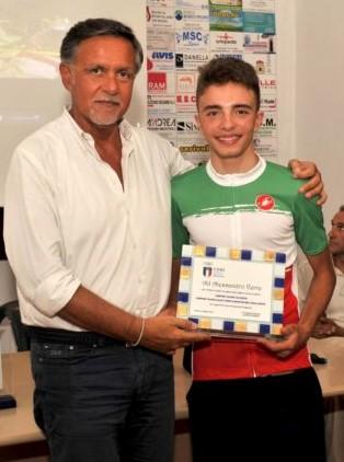 Carmine_Acquasanta_FCI_Basilicata_e_Verre_con_la_maglia_tricolore_cross_country_nel_2017.jpg