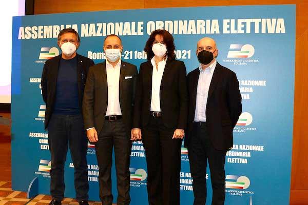 Elezioni_FCI_2021-2024_Carmine_Acquasanta_primo_da_sx_a_seguire_il_pres_Dagnoni_Gimondi_e_Cazzaniga.jpg