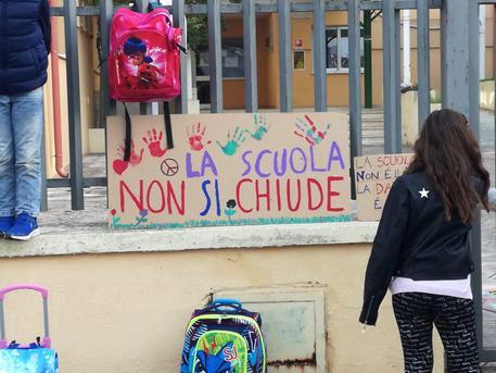 LAnci_Basilicata_a_Bardi_Non_chiudere_le_scuole.jpg