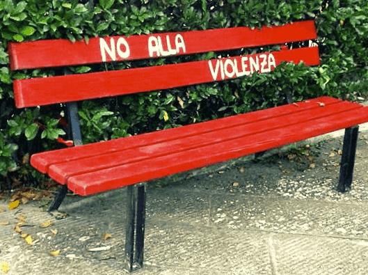 panchina rossa-min.png